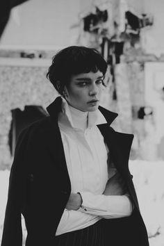Jalouse - Joy Division Fanny Latour-Lambert (Photographer)