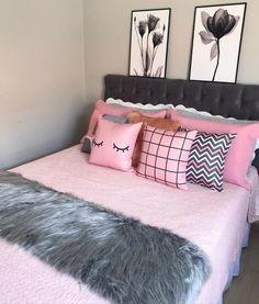 Girly Bedroom Decor, Neon Bedroom, Teen Bedroom Designs, Bedroom Decor For Teen Girls, Room Design Bedroom, Apartment Bedroom Decor, Room Ideas Bedroom, Small Room Bedroom, Pinterest Room Decor