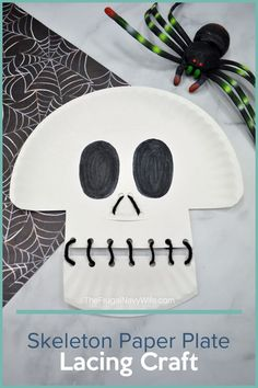 Get the kids involved this Halloween by helping you make this Skeleton Paper Plate Lacing Craft. It's simple, fun, and will get your home ready for the holiday. | Holidays | Halloween | Paper Plate Crafts | Skeleton | Crafts for Kids | Fun Crafts | Family Crafts Family Crafts, Easy Crafts For Kids, Diy For Teens, Diy For Kids, Kids Fun, Diy Crafts, Diy Halloween Costumes For Women, Halloween Diy, Halloween Projects