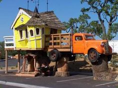 This is the Redneck version of their custom treehouses. I don't care who you are, that's funny! :)