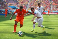 Holland win Group B with 2-0 Defeat Of Chile, as Lens clears from Gary Medal