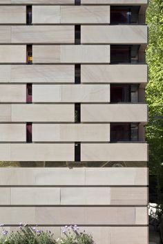 Image 10 of 26 from gallery of Murphy House / Richard Murphy Architects. Photograph by Keith Hunter Sustainable Architecture, Amazing Architecture, Contemporary Architecture, Architecture Details, Stone Facade, Little Corner, Listed Building, World Heritage Sites, House Plans