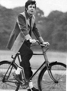 Paul McCartney...love the socks over the pants fashion statement... #eSpokes #bikes #ebikes