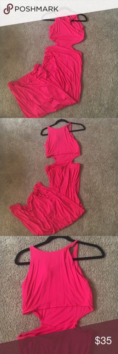 Cutout pink maxi This cut out pink maxi is the perfect dress for date night! The cutouts are classy and so flattering. Only worn once and size L petite (fits like a normal S) Dresses Maxi
