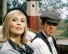 <p>Faye Dunaway y Warren Beatty, interpretando a Bonnie & Clyde.</p>