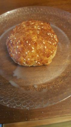 Pofiber leipä ohje - SULAMO.fi Low Carb, Meat, Breakfast, Food, Morning Coffee, Essen, Meals, Yemek, Eten