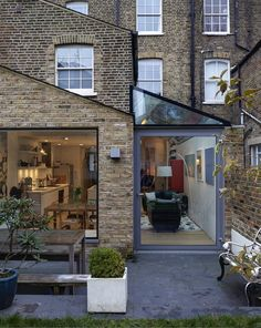 42 Awesome Terrace House Extension Design Ideas With Open Plan Spaces - Extending your home by building outside can have a significant impact on your property's curb appeal when it comes time to list your house on the mark. Extension Veranda, House Extension Design, Extension Designs, House Design, Extension Ideas, Garden Room Extensions, House Extensions, Kitchen Extensions, Terraced House