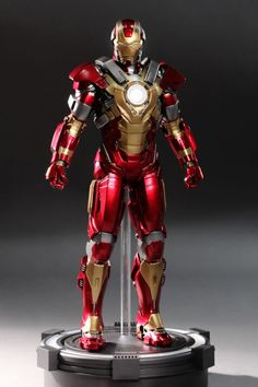 hot-toys-iron-man-3-heartbreaker-mark-xvii-limited-edition-collectible-figure-3