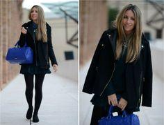 Look invernal, falda negra con medias negras