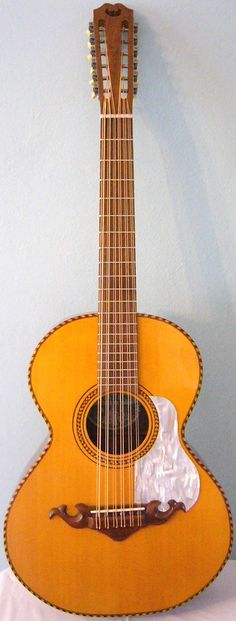Todd Cambio-Fraulini Guitars Bajo Sexto --- https://www.pinterest.com/lardyfatboy/