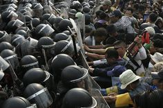 Anti-government protesters clash with police, Bangkok