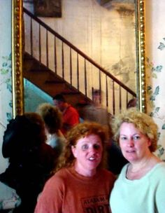 The Real Ghost Pictures Of The Haunted Myrtles Plantation And The Haunted Mirror Ghost Photos! Real Ghost Pictures, Ghost Images, Ghost Photos, Creepy Pictures, Creepy Ghost, Scary, Paranormal Pictures, Paranormal Stories, Ghost Caught On Camera