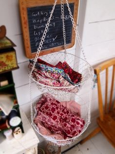 chain basket cloth napkin holder