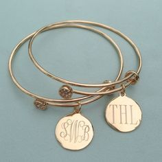 Our Monogram Disc Charm Bangle Bracelet is a classic style for any age. I Love Jewelry Auctions has all of your personalized jewelry needs!