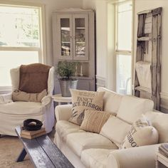 Farmhouse Living Room Makeover Decor Ideas : A living room functions as an important place for socializing and relaxing. Thus, a special decor for a living room is a must. Small Living Rooms, Living Room Modern, Living Room Designs, Cozy Living, Modern Sofa, Living Room Furniture, Living Room Decor, Furniture Chairs, Furniture Design