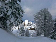 Neige à Guzet (Ariège)  Les vacances de l'académie de Toulouse commencent dans de bonnes conditions.
