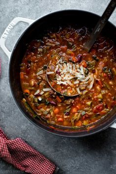 Thick and Hearty Minestrone Soup recipe from @sallysbakeblog