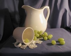 28695pitcher-grapes2