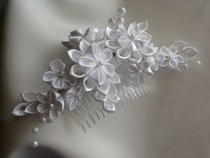 Bridal Hair Comb White Kanzashi Flowers with Pearls