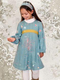 Children's sewing pattern : Dress Attentive