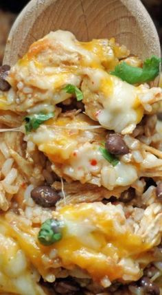 This Slow Cooker Spicy Chicken and Rice dinner r .ecipe from 5 Boys Baker tops our list of favorite slow cooker meals to make on a cold chilly night. It has just the right amount of kick that your family will love because it will warm them right up! Crockpot Dishes, Crock Pot Slow Cooker, Crock Pot Cooking, Cooking Recipes, Healthy Recipes, Chicken And Rice Crockpot, Spicy Chicken Recipes, Crock Pot Gumbo, Crock Pots