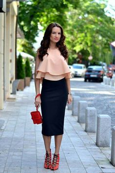 Discover and organize outfit ideas for your clothes. Decide your daily outfit with your wardrobe clothes, and discover the most inspiring personal style Outfit Vestido Rojo, Skirt Outfits, Cute Outfits, Stylish Outfits, Night Outfits, Fashion Outfits, Style Fashion, Tight Pencil Skirt, Pencil Skirts