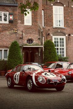 Alfa Romeo TZ2 sports cars