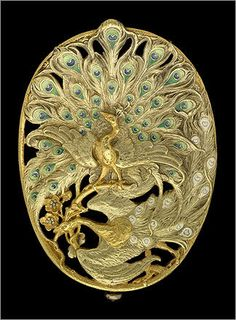 Belt buckle with two peacocks , about 1900. For Georges Fouquet (French, 1862–1957). Gold and enamel.