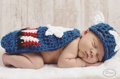 Crochet Newborn Captain America Super Hero Hat and Cape Set : https://www.etsy.com/listing/180898912/crochet-newborn-captain-america-super?ref=sr_gallery_34&ga_search_query=captain+america&ga_ship_to=TW&ga_page=2&ga_search_type=all&ga_view_type=gallery     寶寶也愛美國隊長~ 太勾椎了吧>