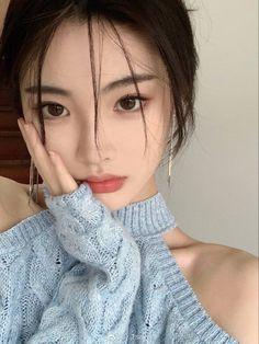 Korean Beauty Girls, Korean Girl Fashion, Asian Beauty, Ulzzang Korean Girl, Cute Korean Girl, Asian Girl, Korean Makeup Look, Asian Makeup, Uzzlang Girl