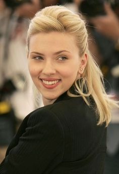 Scarlett Johansson Photo IN WAR OF WORDS BETWEEN CENTRE AND MAHARASHTRA GOVERNMENT, POOR MIGRANTS ARE THE SUFFERERS | YOUTUBE.COM/WATCH?V=B8GMMIGMNC0 #EDUCRATSWEB