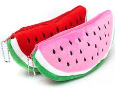 Estuche con forma de sandía en rojo y rosa. www.smartyfun.es