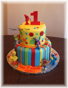 Color Combination/Design - Sesame Street first birthday cake by Diane's Sweet Treats - (Diane Burke), via Flickr