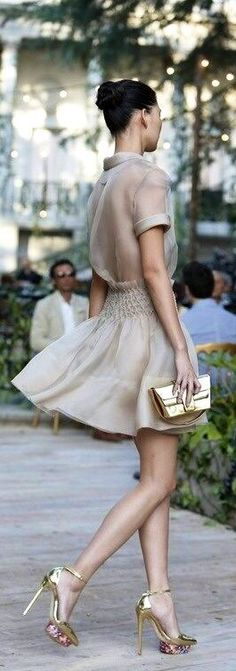 Delpozo So glamour Looks Street Style, Looks Style, Look Fashion, Fashion Beauty, Womens Fashion, Street Fashion, Fashion Pics, Dress Fashion, Latest Fashion