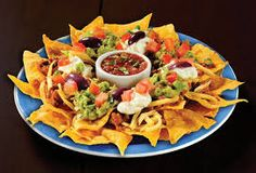 Nachos Supreme- Oh Nachos.I haven& had you in months! Nachos Supreme, Mexican Dishes, Mexican Food Recipes, New Recipes, Favorite Recipes, Breakfast Lunch Dinner, Dessert For Dinner, Food For Thought, Guacamole