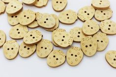 10 Strawberry Wood Buttons Natural Wood by boysenberryaccessory