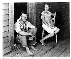 Floyd anld Lucille Burroughs, Hale County Alabama, by Walker Evans.