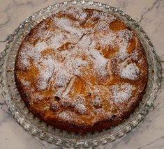 Das perfekte Pfirsich-Eierlikör-Kuchen-Rezept mit Bild und einfacher Schritt-für-Schritt-Anleitung: Die Eier trennen,Pfirsiche in Scheiben…