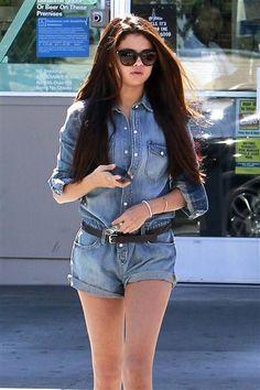 Selena Gomez runs errands in Los Angeles on Oct. 6, 2013.