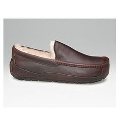 UGG Men Ascot Leather Slippers