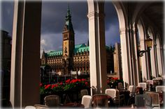 A view of the Town Hall of Hamburg Germany  ( via Franz St. )