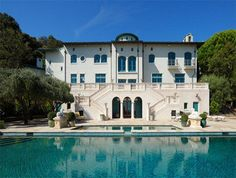 Extraordinary house of the day - 65 foot long