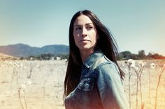 starting my holidays with new Alanis on, I don't mind if I am going to completely adore it, as long as it's Alanis, it's like a mother's, a sister's, a best friend's voice singing straight into your heart! Alanis, welcome back!