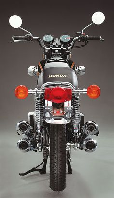 Stuck in the Middle: The 1977 Honda CB550K - Classic Japanese Motorcycles - Motorcycle Classics