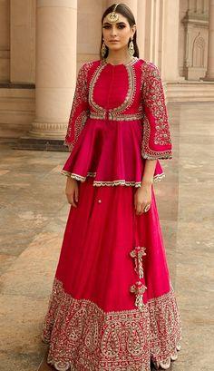 Indian Bridal Outfits, Indian Fashion Dresses, Dress Indian Style, Indian Designer Outfits, Pakistani Outfits, Indian Wear, Bridal Dresses, Choli Designs, Lehenga Designs