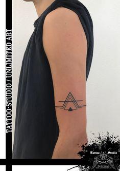 Geometrisches Tattoo / Oberarm Tattoo // Geometric Tattoo / Upper Arm Tattoo
