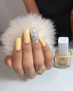 On average, the finger nails grow from 3 to millimeters per month. If it is difficult to change their growth rate, however, it is possible to cheat on their appearance and length through false nails. Are you one of those women… Continue Reading → Summer Acrylic Nails, Cute Acrylic Nails, Pastel Nail Art, Fall Nail Art Designs, Gel Nail Designs, Unique Nail Designs, Elegant Designs, Colorful Nail Designs, Aycrlic Nails