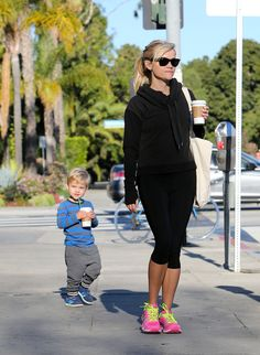 Reese Witherspoon and son Tennessee grab coffee together!