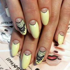 Light yellow gel nails with black details Yellow Nail Art, How To Cut Nails, Gel Nails At Home, Sexy Nails, Cool Nail Designs, Hair And Nails, Nail Colors, Manicure, Make Up