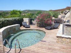 vue bassin chauffé en Corse